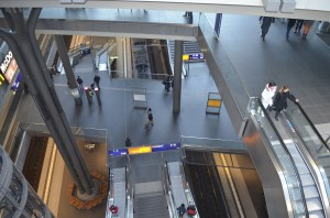 hauptbahnhof-dentro-2